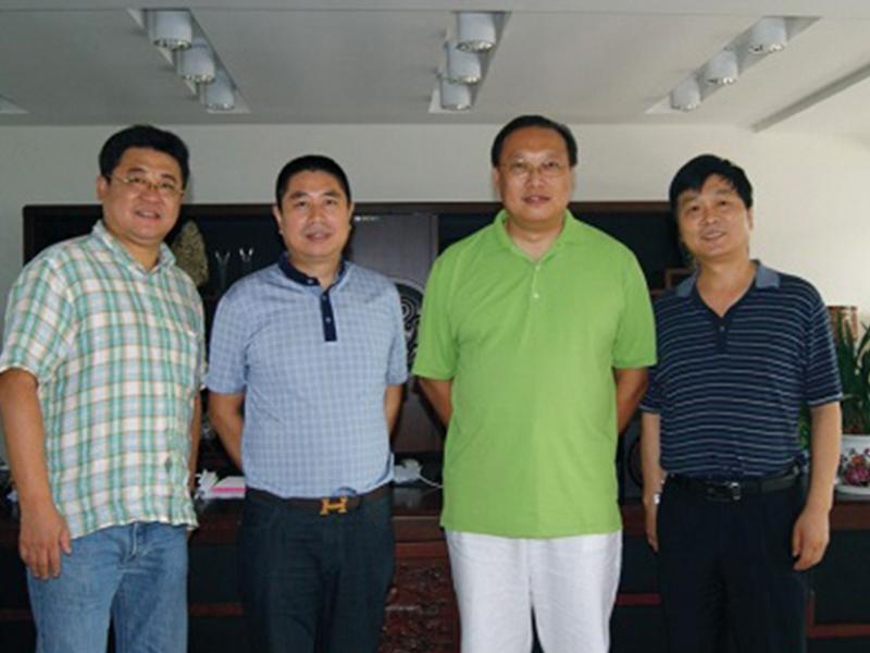 台湾肽技术工程研究院院长吴天雄来公司洽谈业务